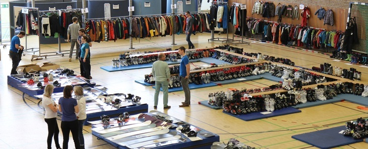 Ski fair in the gym